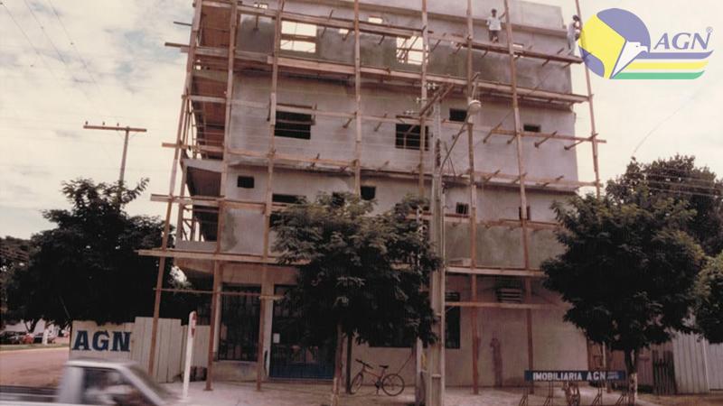 Construção da Antiga Sede na Av. das Sibipirunas